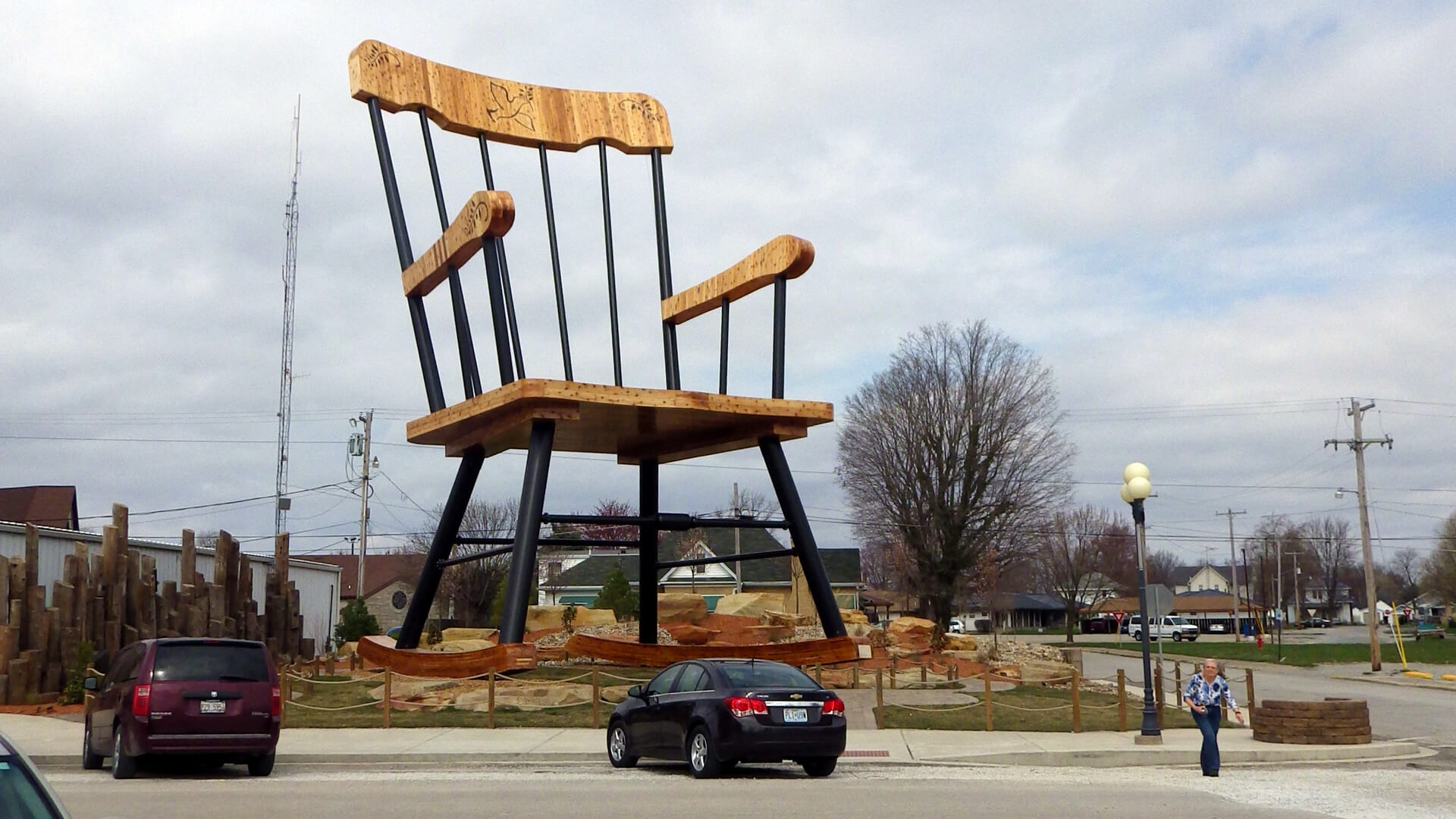 A 30-Foot Pistachio and 15 Other Weird Roadside Attractions