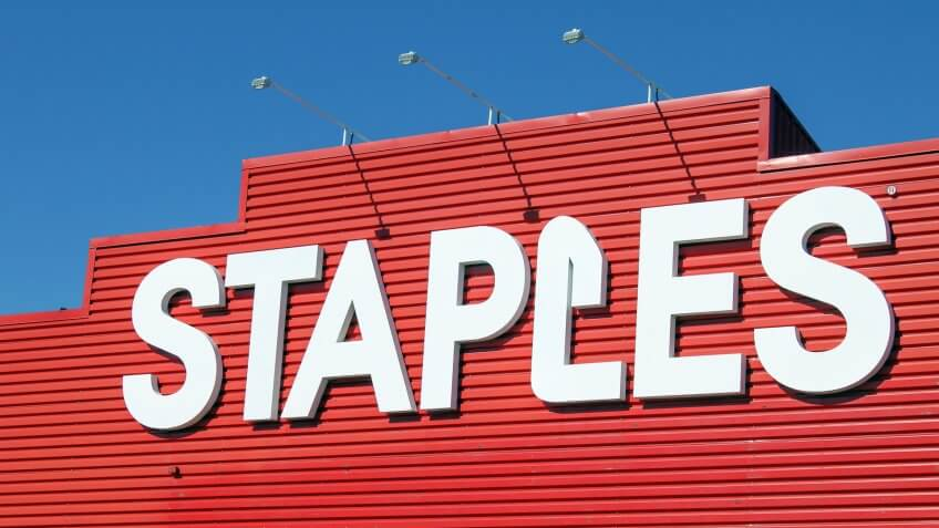 11059, Horizontal, Staples Store, mergers
