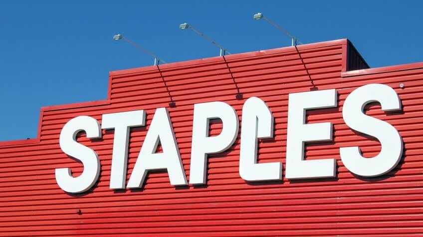11059, Horizontal, Staples Store, mergers