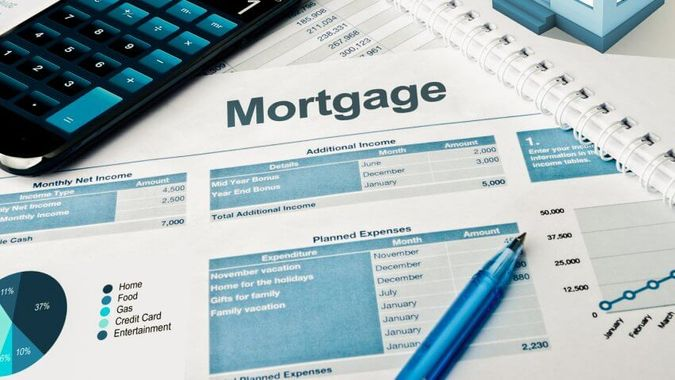 How Trends Affect Existing Fixed- and Adjustable-Rate Mortgages