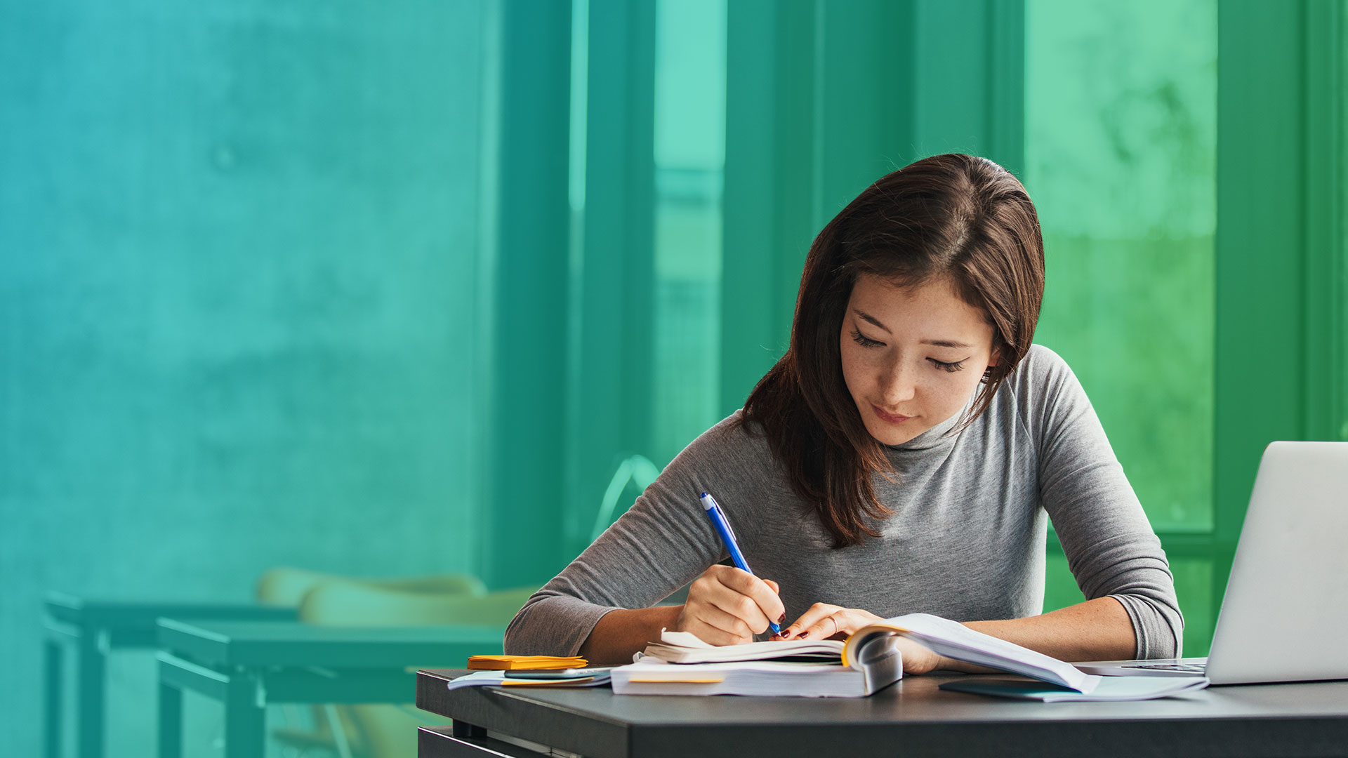how to get the best student loan interest rates gobankingrates