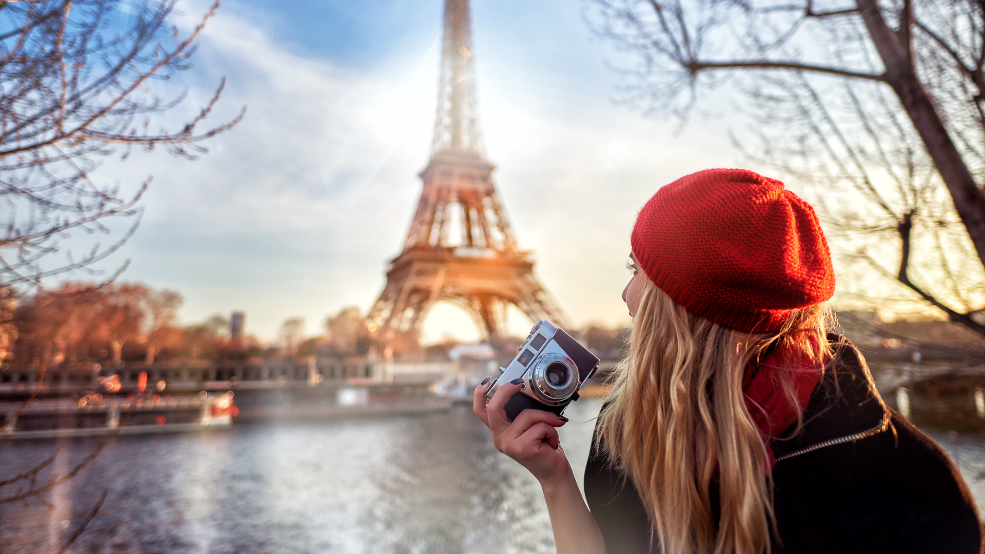 Want to Travel Solo? Here Are the Best Cost-Saving Tips | GOBankingRates