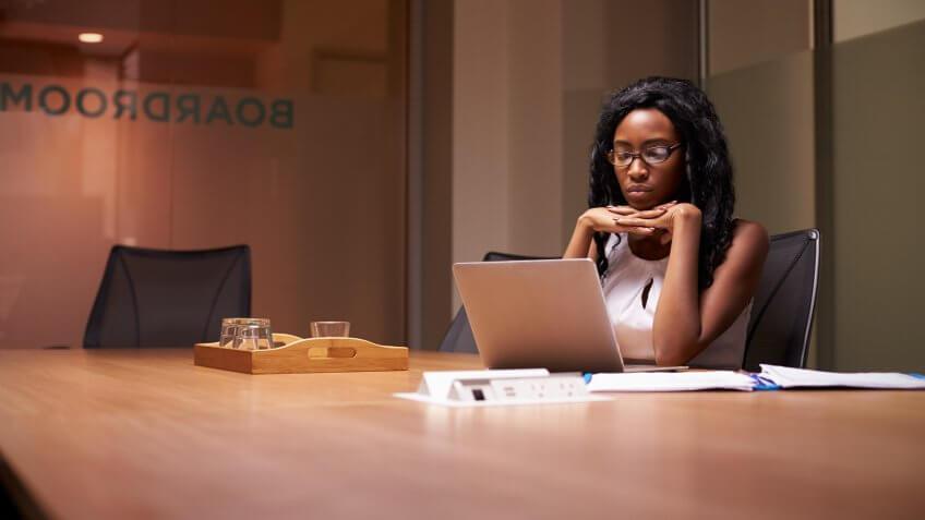 woman-working-late