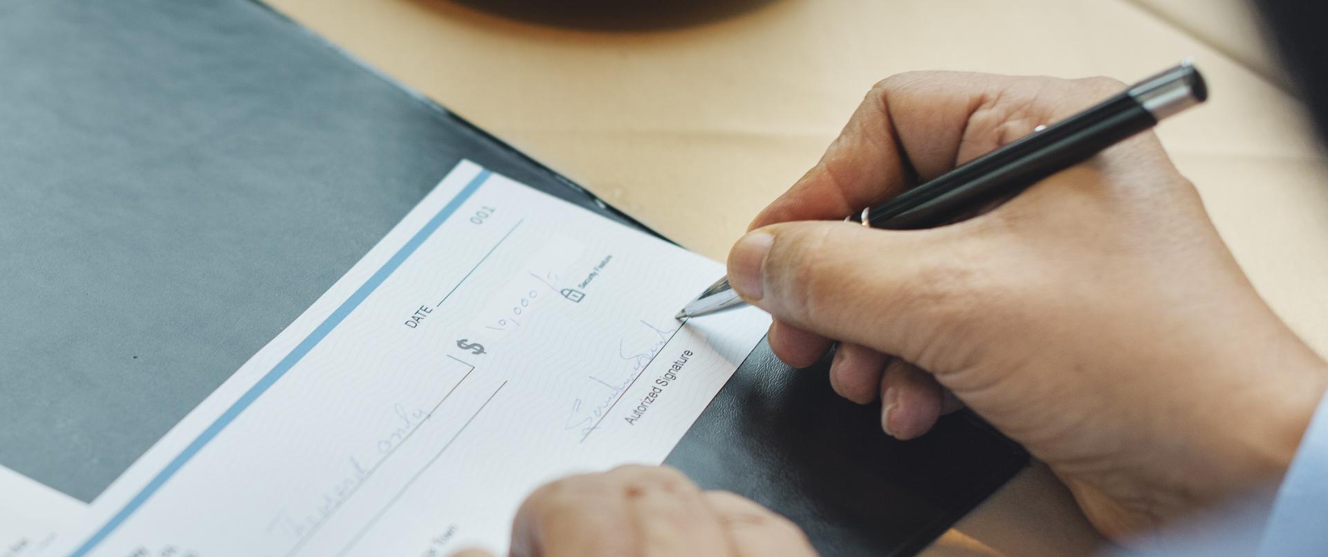 8 Free Checking Accounts With No Minimum Deposit | GOBankingRates
