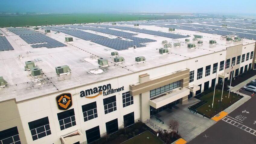 Amazon fullfillment center, solar panels