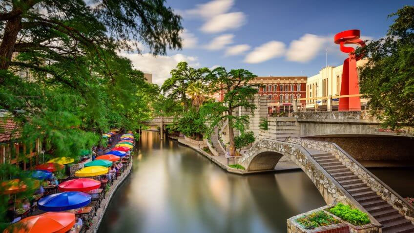11657, Best Cities for Retirement in These Income Tax-Free States, Horizontal, San Antonio Texas