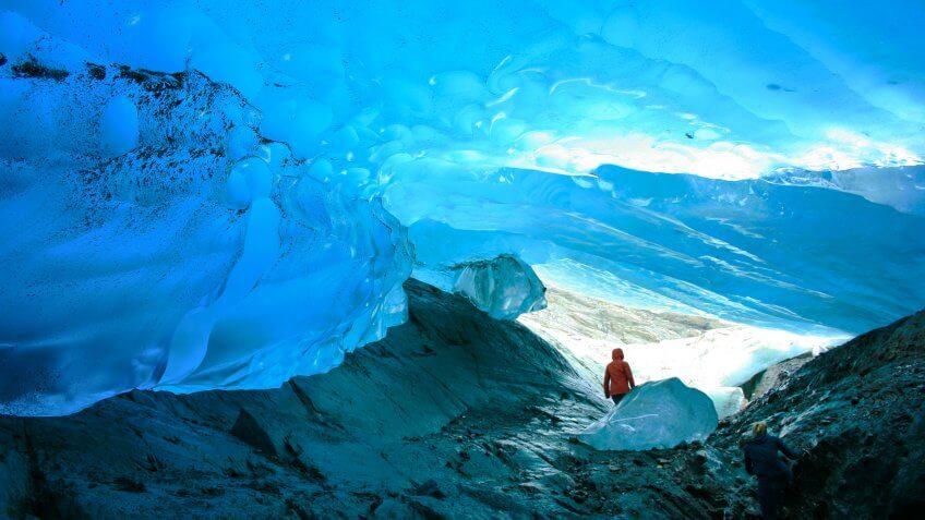Mendenhall-Glacier-Juneau-Alaska-Sean