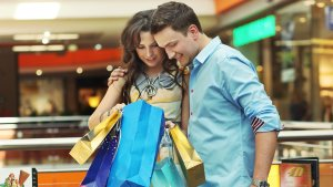 Consumers Expected to Open Their Wallets Wider This Holiday Season