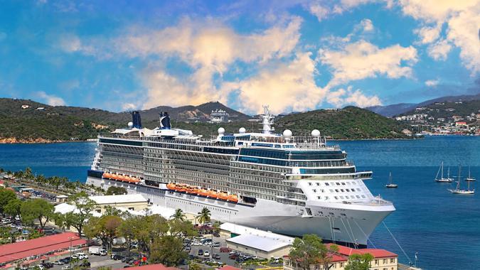 Cruise Ship, cruise line