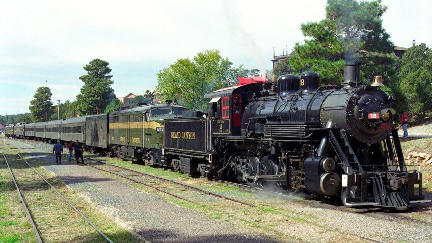 train THE GRAND CANYON RAILWAY OFFERS DAILY SERVICE BETWEEN GRAND CANYON N.