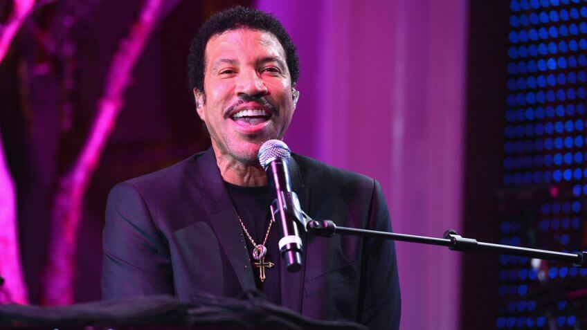"""BEVERLY HILLS, CA - JANUARY 24:  Singer Lionel Richie performs at The Voice Health Institute's """"Raise Your Voice"""" benefit at the Beverly Hills Hotel on January 24, 2013 in Beverly Hills, California."""