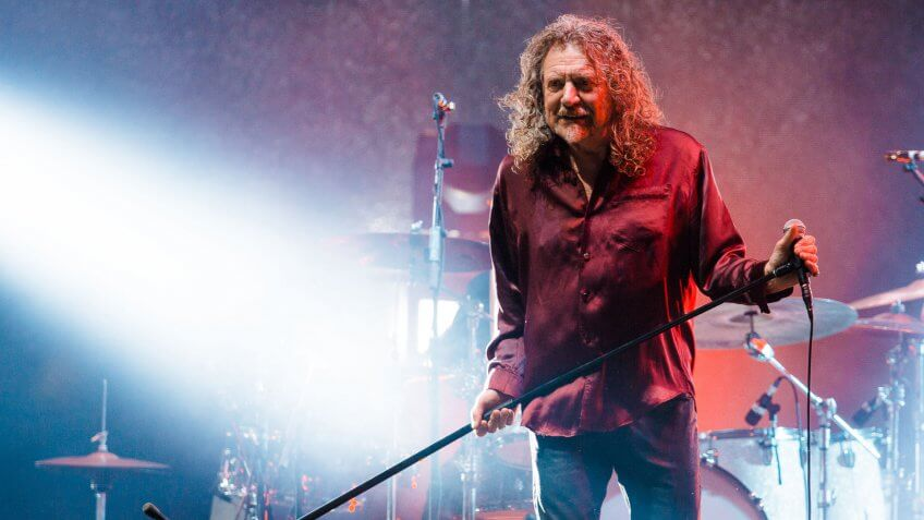 SAO PAULO, BRAZIL - MARCH 28: Robert Plant performs during 2015 Lollapalooza Brazil at Autodromo de Interlagos on March 28, 2015 in Sao Paulo, Brazil.