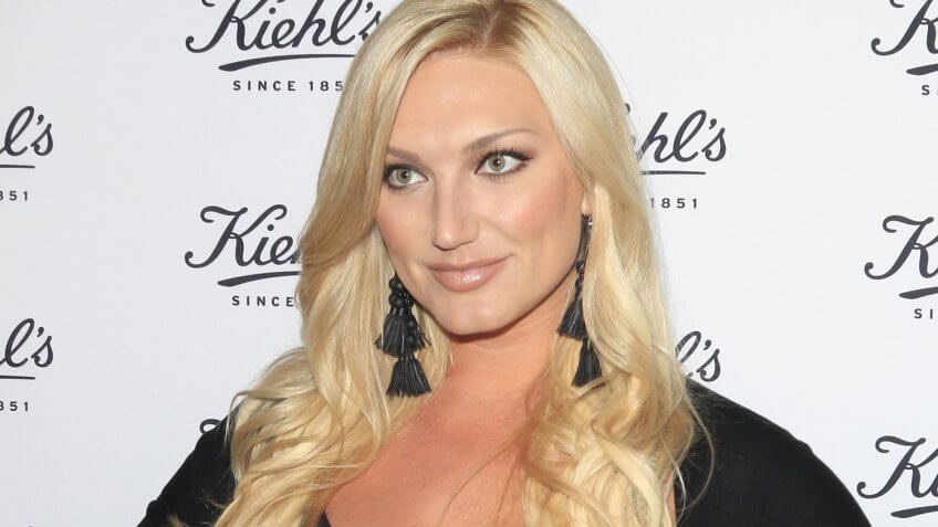 LOS ANGELES - SEP 22: Brooke Hogan at the Kiehl's LifeRide for Ovarian Cancer Research at Kiehl's Store on September 22, 2016 in Santa Monica, CA.