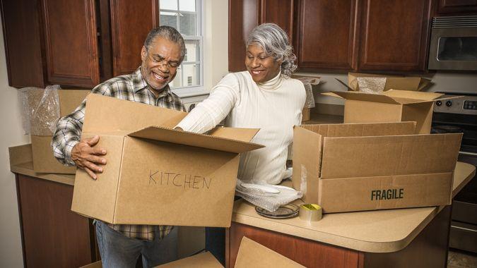 seniors-moving
