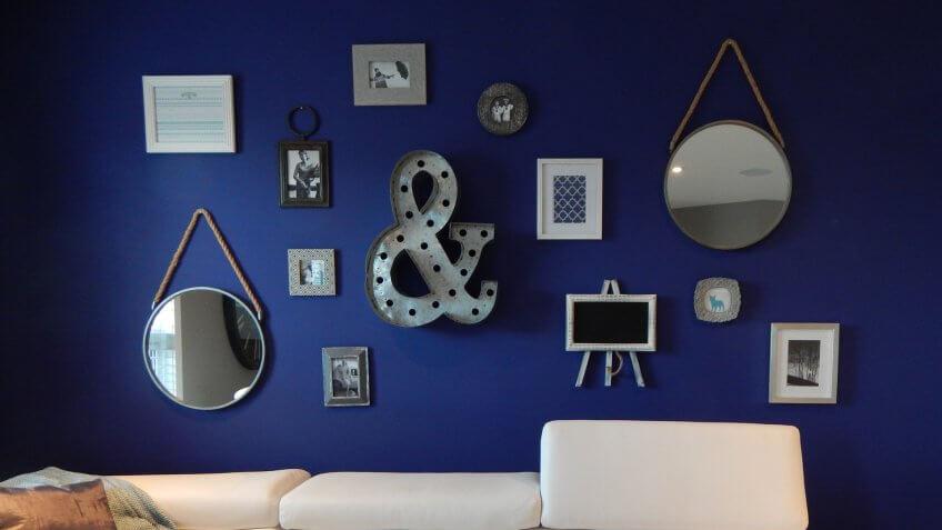 living room, wall decor