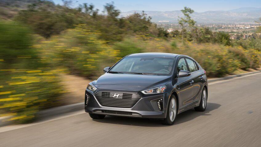 2016,  2017,  2017 IONIQ HEV,  Front 3/4,  Hyundai Motor America,  IONIQ HEV,  Vehicles, 2017 IONIQ HEV, Photos