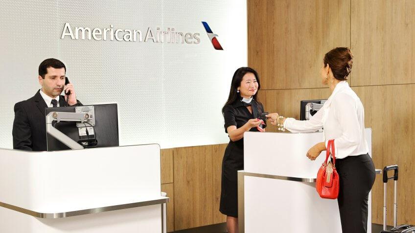 Admirals Club, American Airlines, Customer, Entrance, GRU, Reward Program, Sao Paulo, check-in, employees, female, new renovation