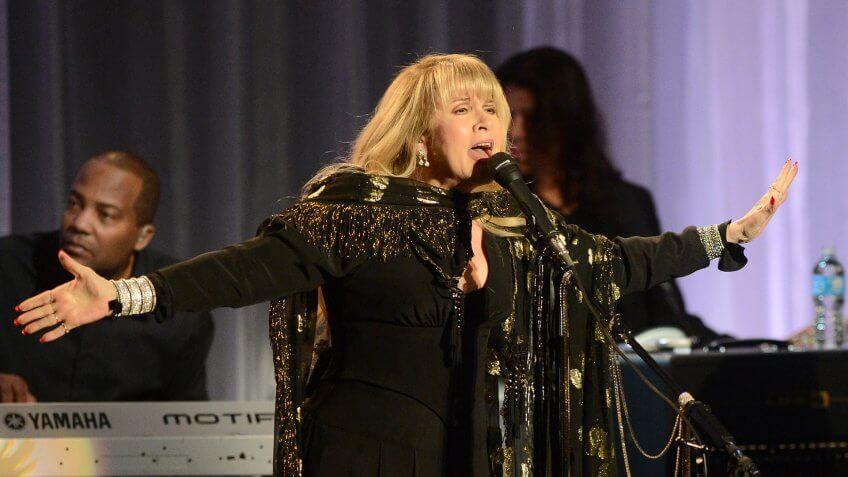 BEVERLY HILLS, CA - NOVEMBER 13:  Artist Stevie Nicks performs at the 55th Annual Women's Guild Cedars-Sinai Gala held  on November 13, 2012 in Beverly Hills, California.