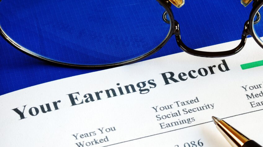 Inspect the Social Security earning report concepts of retirement pension.
