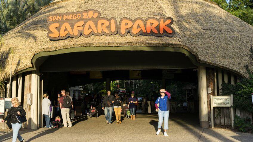 SAN DIEGO, CA/USA - JANUARY 16: Entrance of San Diego safari park zoo in San Diego, CA on Jan 16, 2016.