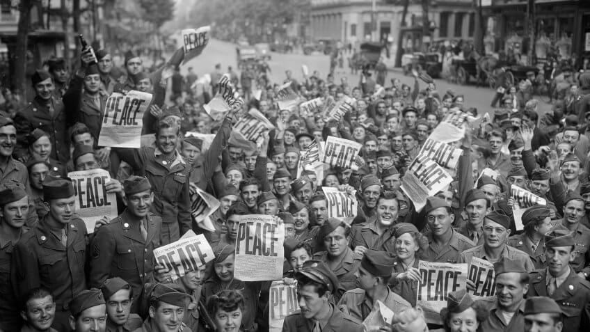 1945-Paris-American-Militar