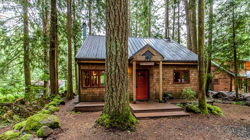 Glamping Hub Cabin Rental, Mount Hood National Forest.