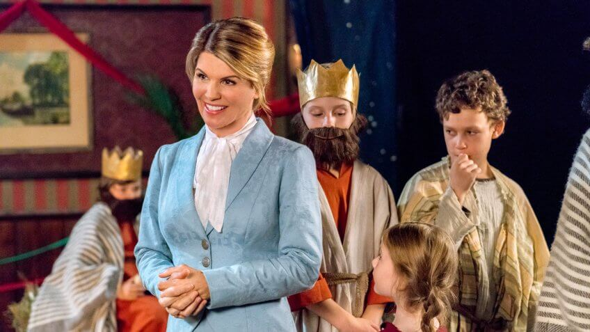 Hallmark Christmas Movies Star Net Worths: Lacey Chabert