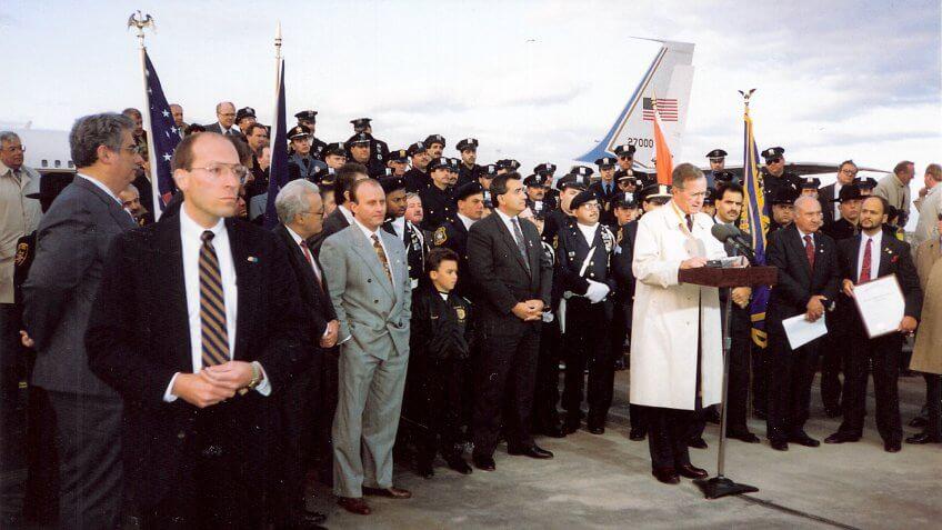 1992-President-Bush-Newark-Airport