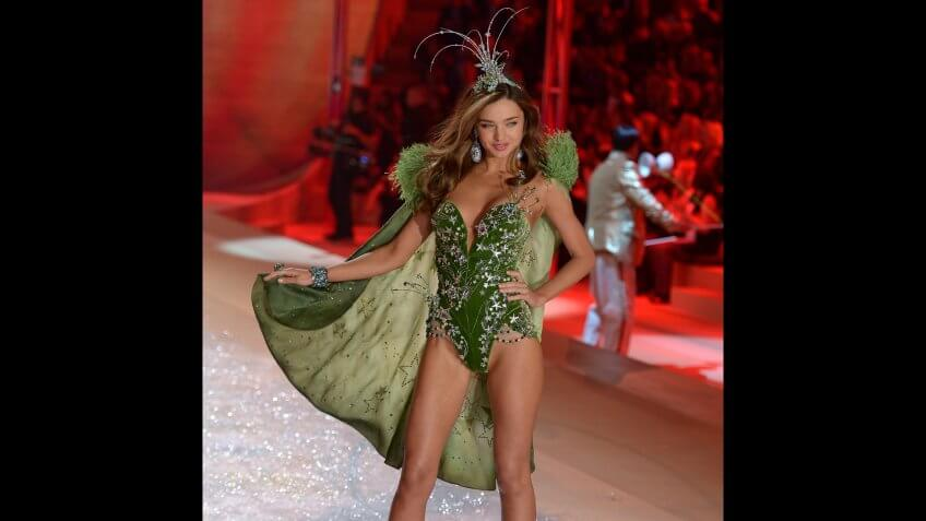 Australian Model Miranda Kerr Takes to the Catwalk During the 2012 Victoria's Secret Fashion Show in New York City New York Usa 07 November 2012 United States New YorkUsa Fashion Victoria Secret - Nov 2012.