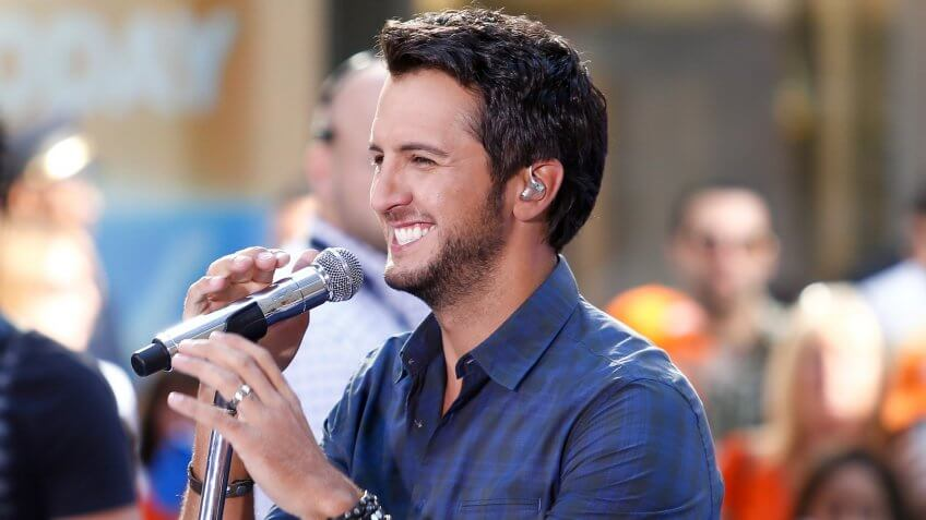 Singer Luke Bryan performs on NBC's Today Show at Rockefeller Plaza on August 16, 2013 in New York City.