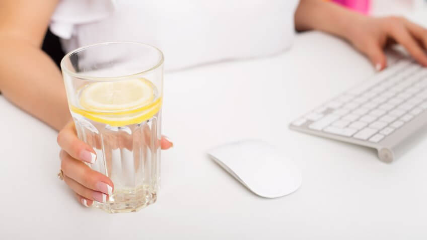 drink-lemon-water