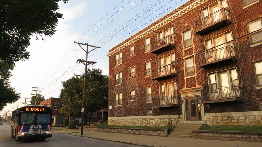 Marlowe Apartments on 39th Street, Tiffany, St.