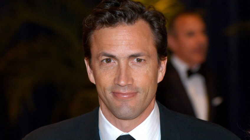 WASHINGTON MAY 1 - Andrew Shue arrives at the White House Correspondents Association Dinner May 1, 2010 in Washington, D.
