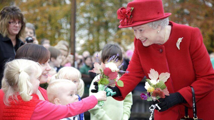 Queen Elizabeth II Visits Kentford Animal Health Trust Laboratories, Newmarket, Britain - 29 Oct 2009.