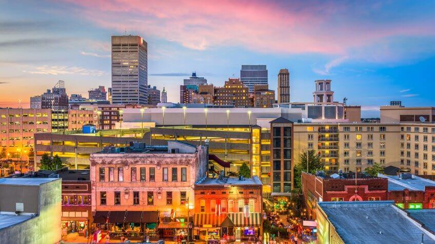 Memphis Tennessee skyline at dusk