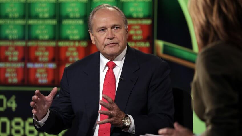 """Robert Nardelli, Maria Bartiromo Bob Nardelli, former CEO of Home Depot and Chrysler, is interviewed by Maria Bartiromo during her """"Opening Bell With Maria Bartiromo"""" program on the Fox Business Network, in New YorkQuayle Nardelli, New York, USA."""