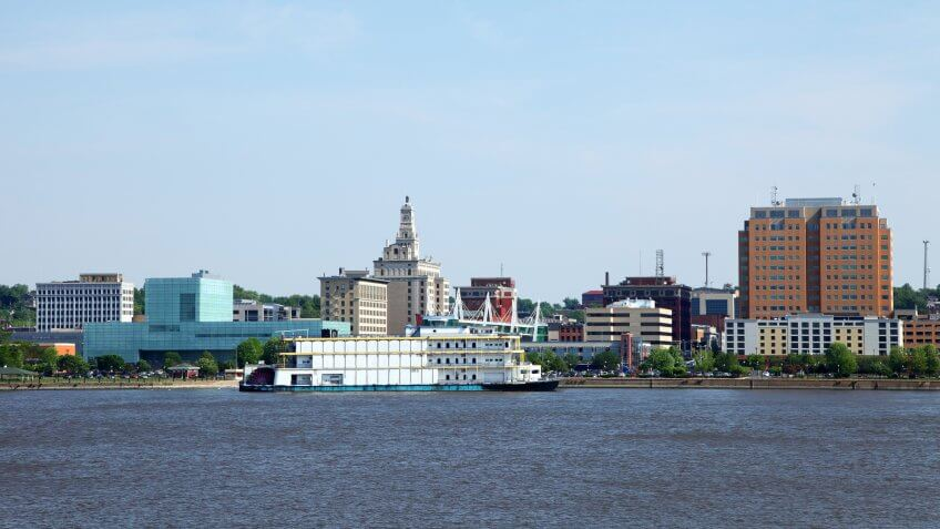 Davenport skyline along the banks of the Mississippi RiverMore Davenport images.