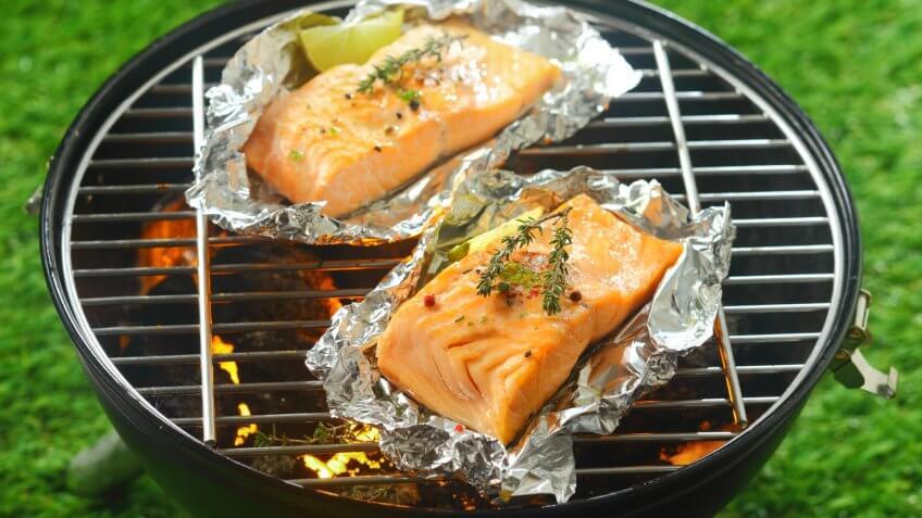 grilling salmon