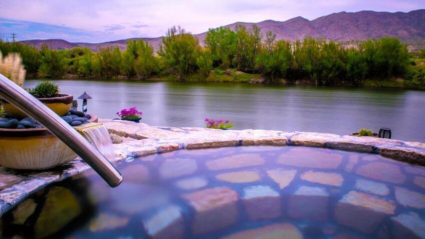 Riverbend Hot Springs, hot springs