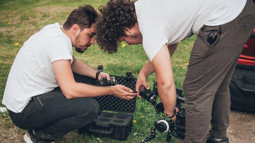 production-assistants-work-long-hours-little-money
