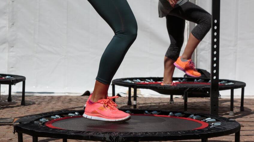 mini-trampoline-jumping