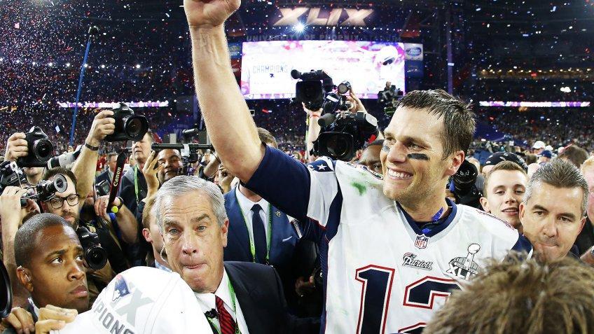 GLENDALE, AZ - FEBRUARY 01:  Tom Brady #12 of the New England Patriots celebrates after defeating the Seattle Seahawks 28-24 during Super Bowl XLIX at University of Phoenix Stadium on February 1, 2015 in Glendale, Arizona.