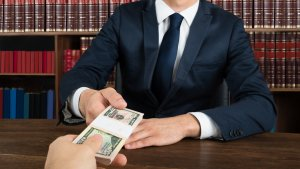 Here's the Insane Amount Lawyers Earn in Every State