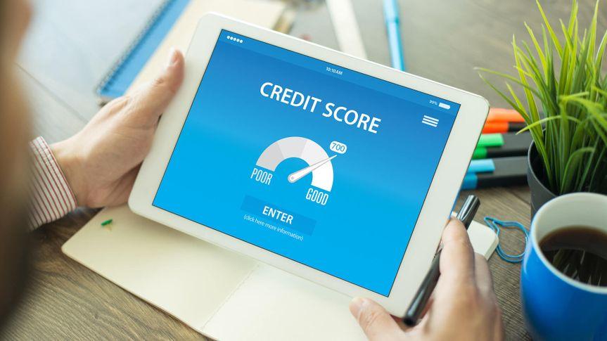 credit score, tablet