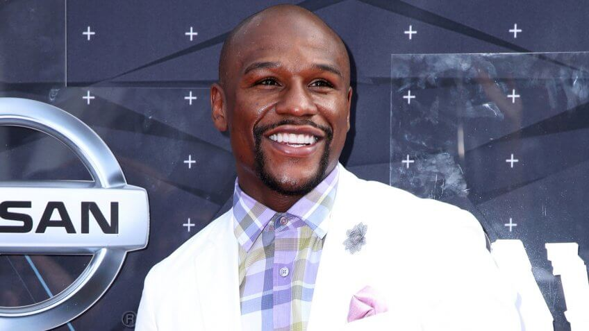 LOS ANGELES - JUN 28: Floyd Mayweather Jr at the 2015 BET Awards - Arrivals at the Microsoft Theater on June 28, 2015 in Los Angeles, CA.