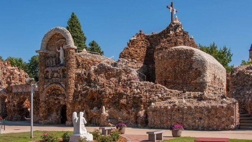 Grotto of Redemption, Iowa, Travel, destinations, hidden gems, travel destination