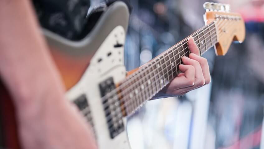 live-music-guitar