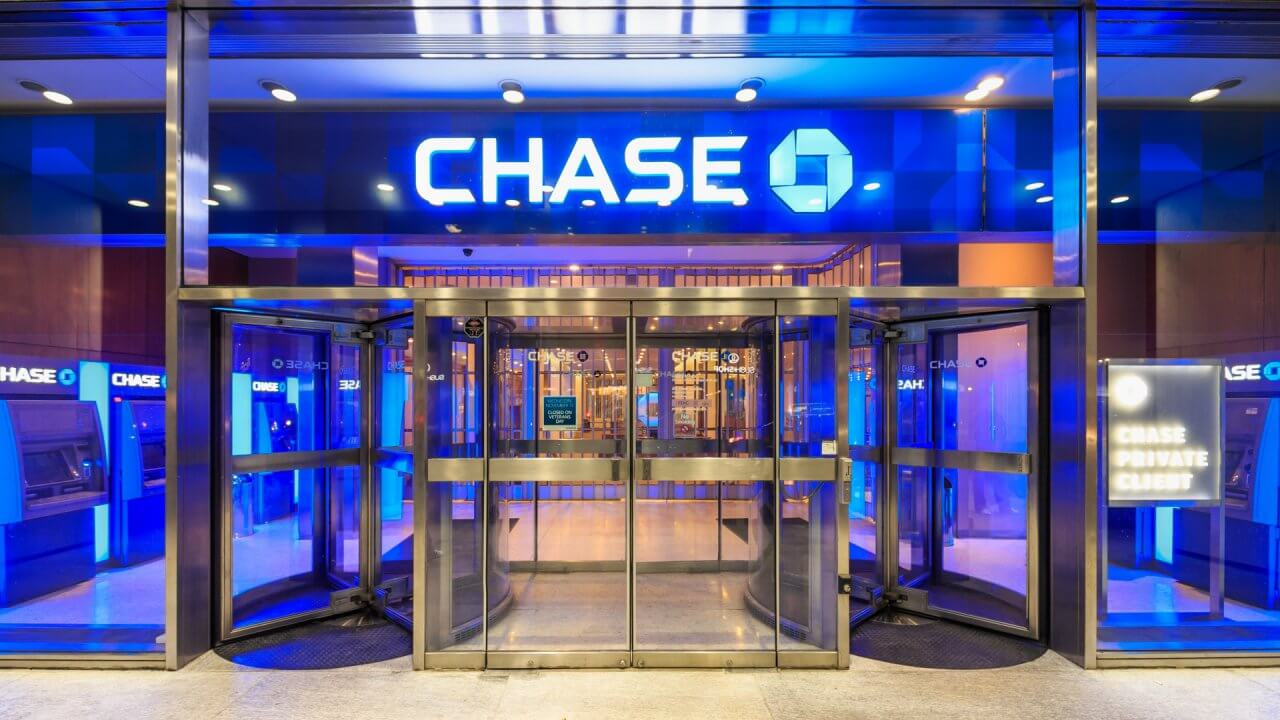 Here's How Much Chase Overdraft Fees Cost | GOBankingRates