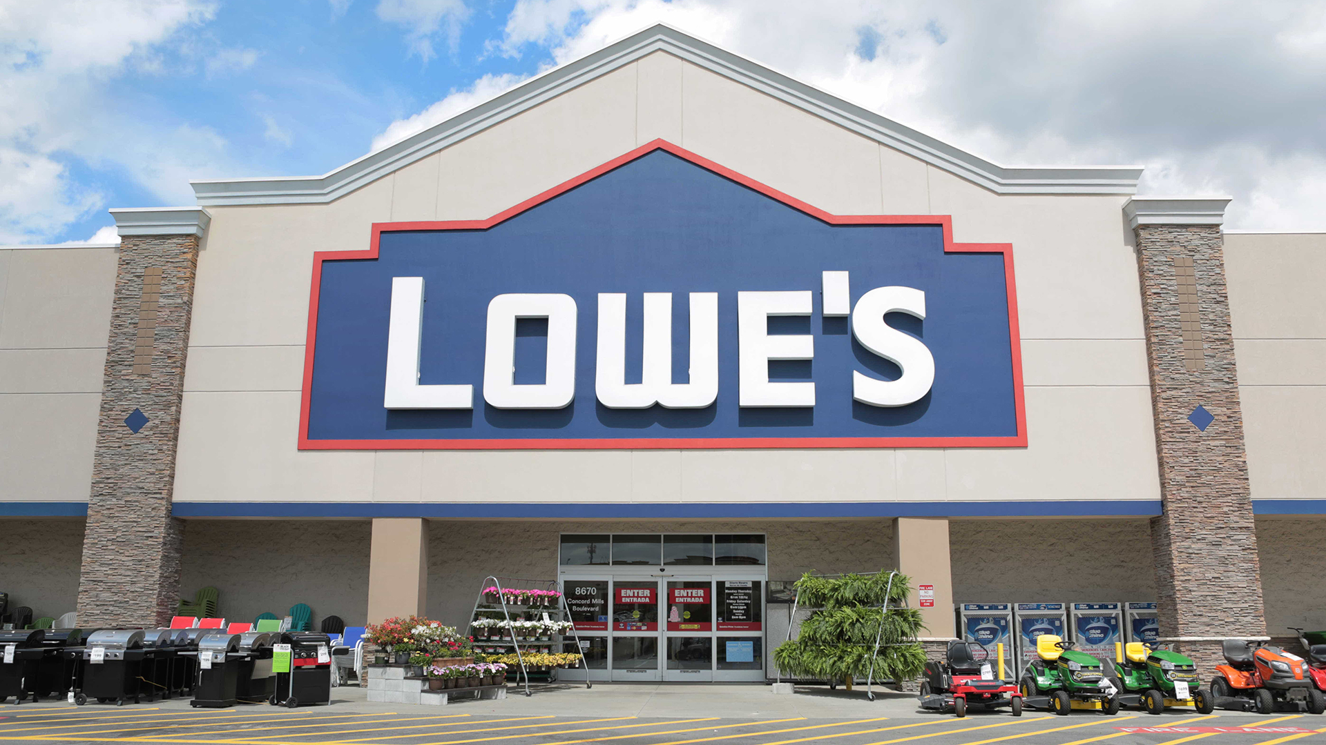 Lowe\'s Store Credit Card Review: A Look at the Lowe\'s Advantage Card ...