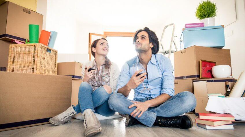 couple-moving-new-apartment-happy-married-rent